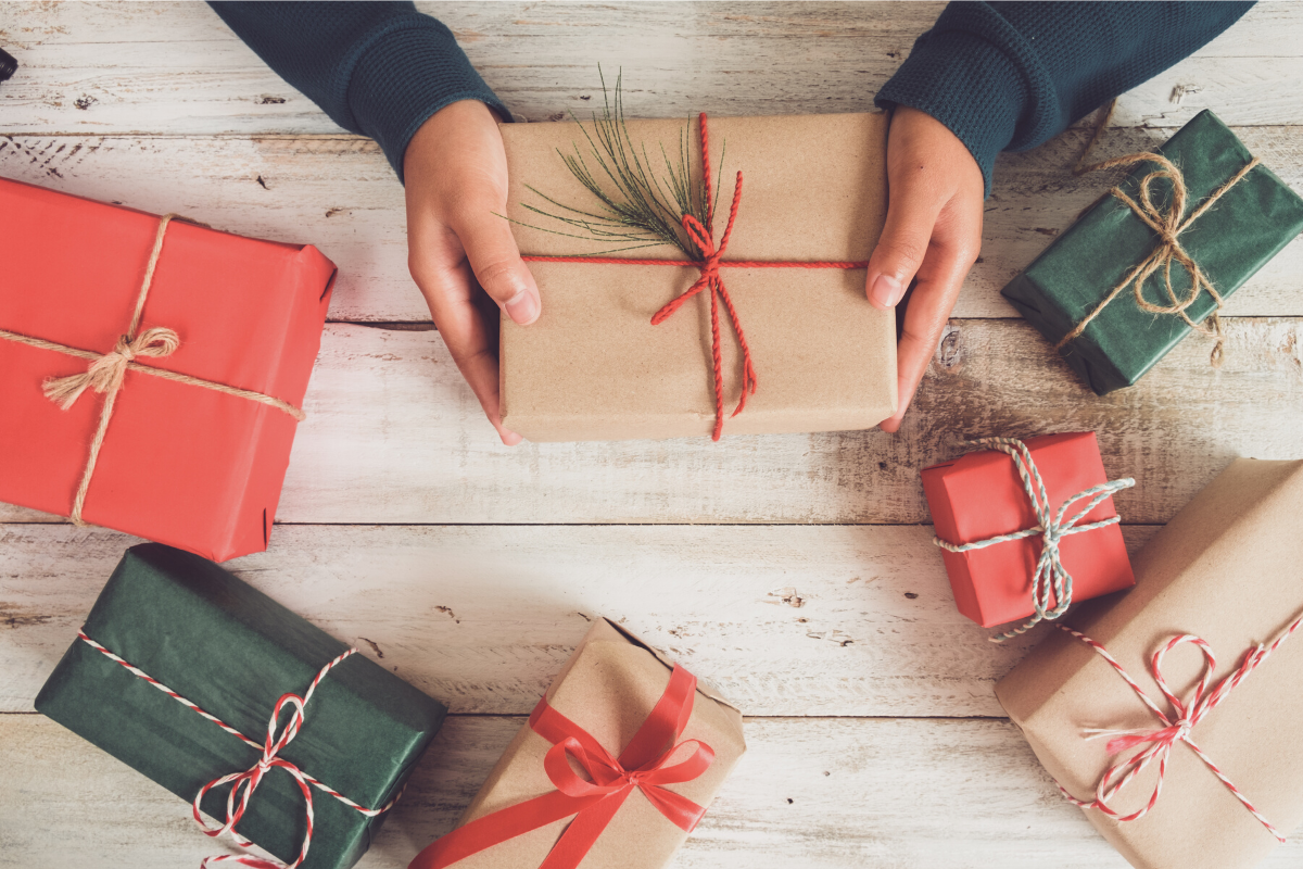 Be a smart gift-giver this holiday season 3